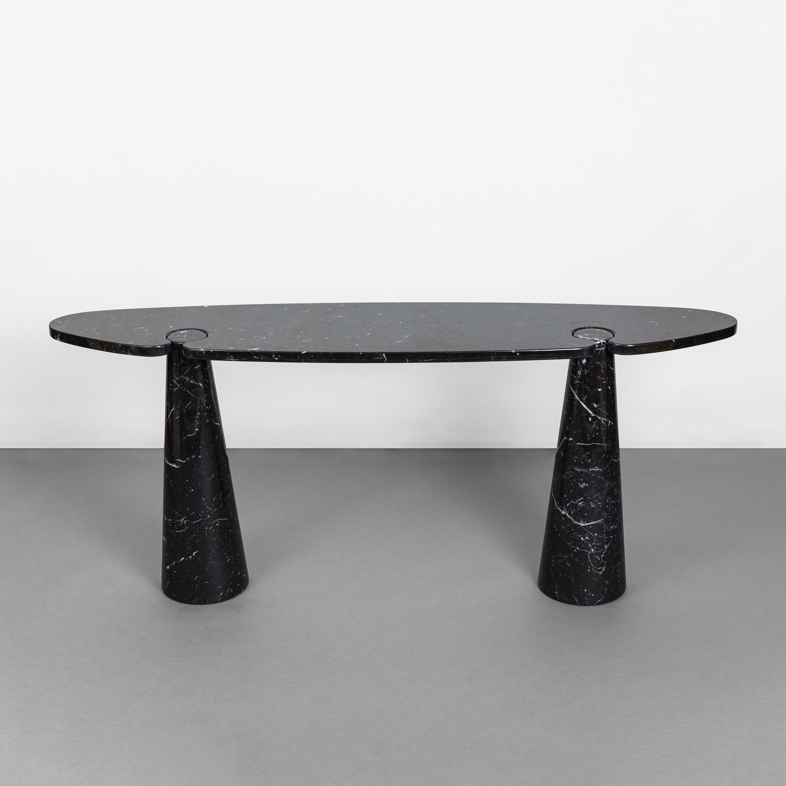 Console from 'Eros' Series by Angelo Mangiarotti for Skipper | soyun k.