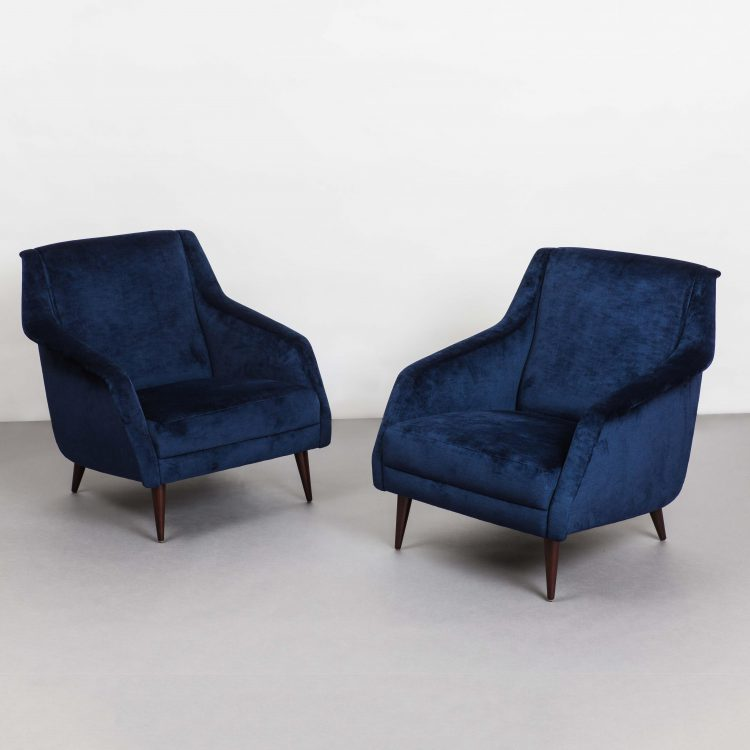 Pair of Lounge Chairs, Model 802 by Carlo De Carli for Cassina | soyun k.